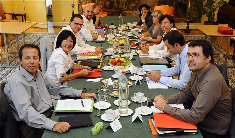 Los partidos belgas acuerdan conceder más autonomía fiscal a las regiones