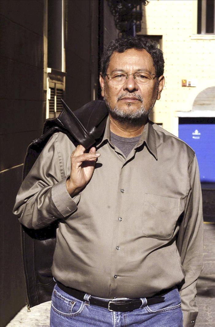 "Élmer Mendoza considera que ""ningún país conseguirá acabar con el narcotráfico"""