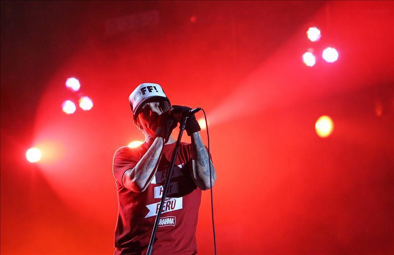 Red Hot Chili Peppers dan sabor a una cita sosa con el rock de protagonista