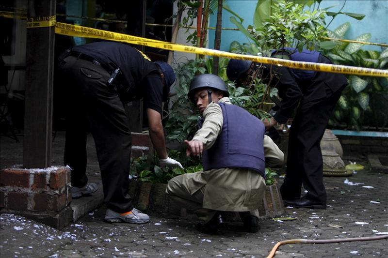 Al menos 14 heridos en ataque suicida contra iglesia cristiana en Indonesia