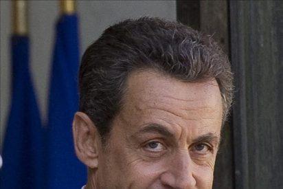Sarkozy reúne a la cúpula de su partido y la izquierda celebra la victoria en el Senado