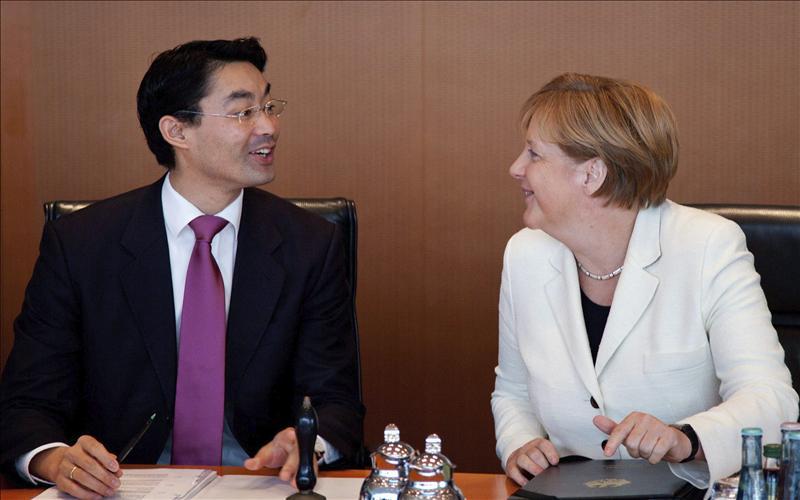 Merkel rechaza la elaboración de nuevos programas coyunturales en la UE