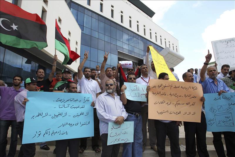 Los rebeldes avanzan en Sirte mientras Gadafi insiste en continuar la lucha