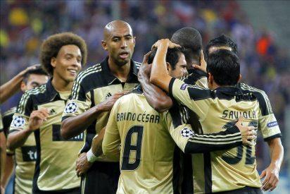0-1. César y Gaitán derrumban la muralla rumana y ponen al Benfica segundo