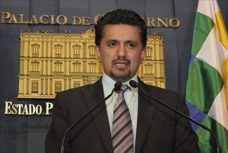 Renuncia el ministro boliviano de Gobierno tras represión policial a indígenas