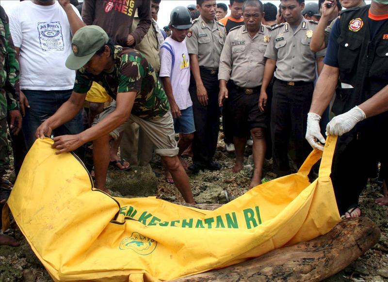 Ocho muertos tras una estampida en un ferry en Indonesia al oír una explosión