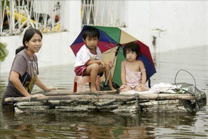 El tifón Nesat paraliza Hong Kong
