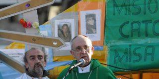 """Bergoglio: """"Hay gente que cuida mejor a sus perros que a sus hermanos"""""""
