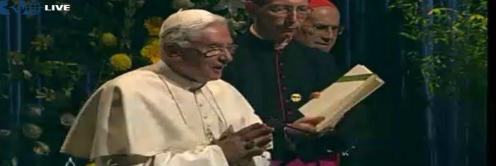 El Papa subraya la importancia del silencio en la sociedad de la comunicación
