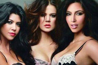Las tres macizas hermanas Kardashian posan en ropa interior