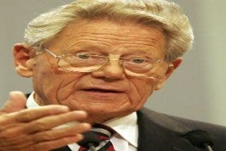 """Hans Küng acusa al Papa de """"ocultar la situación de emergencia"""" de la Iglesia"""