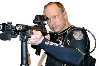 El asesino Breivik tiene la caradura de decir que estar aislado es 'tortura'