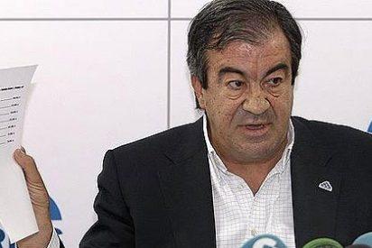 """Álvarez-Cascos: """"Las retrasmisiones deportivas de las radios son de interés nacional"""""""