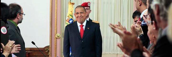 "Hugo Chávez, estalla: ""¡Detengan esa locura de Libia!"""