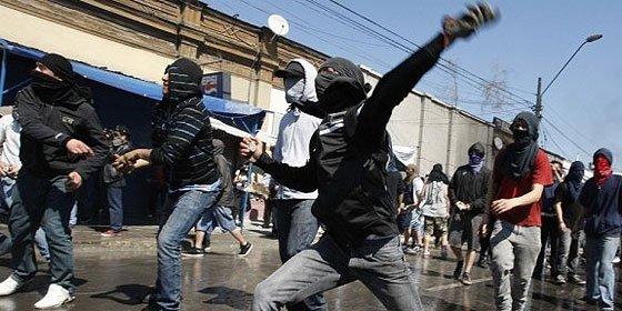 Bronca callejera en Chile en el 38 aniversario del golpe de Pinochet