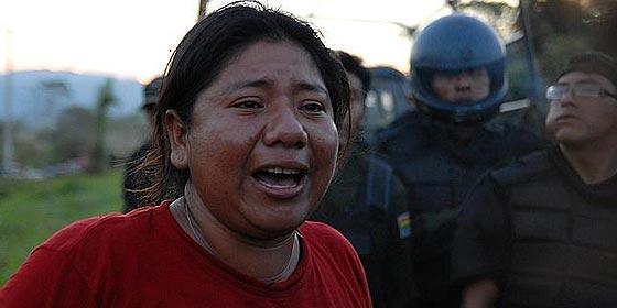 Evo Morales dispersa a palos una marcha de indígenas bolivianos