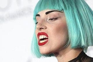 Lady Gaga prefiere los bares con olor a orines que los clubes de lujo