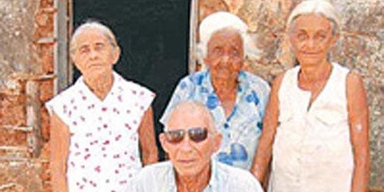 El brasileño de 90 años que tiene 33 hijos con su mujer, cuñada y suegra