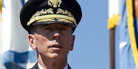 El general Petraeus deja el Ejército para ser el director de la CIA