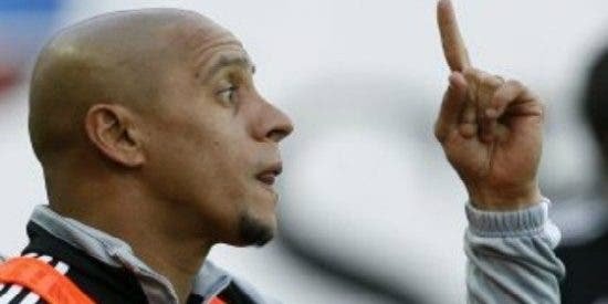 Roberto Carlos entrenará a Samuel Eto'o en el Anzhi ruso