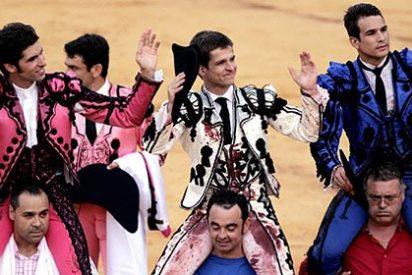 El Juli, Manzanares y Cayetano, a hombros en la goyesca de Ronda