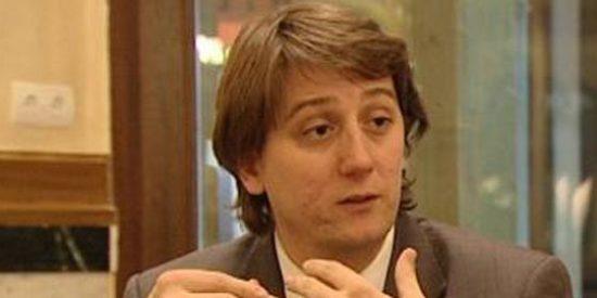 El alcalde socialista de Soria enchufa a su cuñada como jefa de prensa