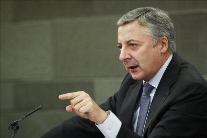 """Blanco asegura que el Gobierno """"tendrá en cuenta"""" el plan de López para acabar con ETA"""
