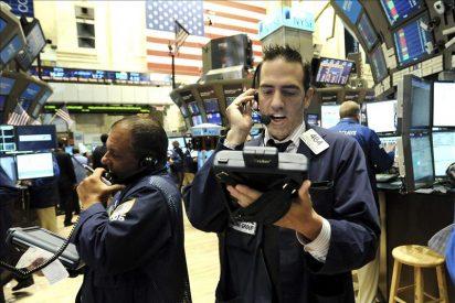 Wall Street baja 1,06 por ciento por descenso de los ingresos de los estadounidenses