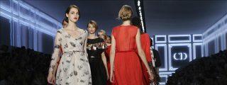 Dior retorna a los orígenes y a su elegancia infalible