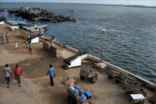 Piratas somalíes secuestran a una turista francesa en un complejo de Kenia