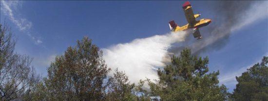 Muere el piloto de la avioneta que extinguía fuego en el municipio orensano de Loza