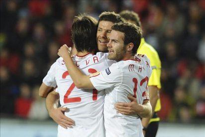 0-2. España se exhibe al ritmo de Xavi