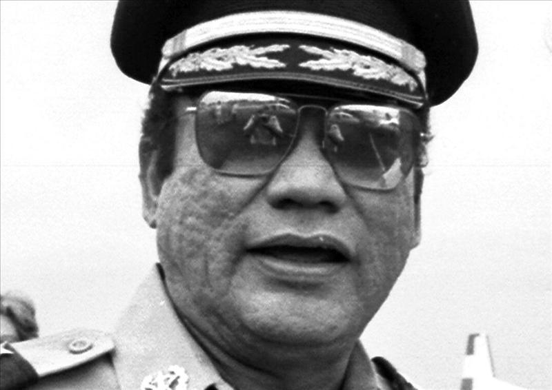 Un diario panameño dice que Italia procesará a Noriega por la muerte de Spadafora