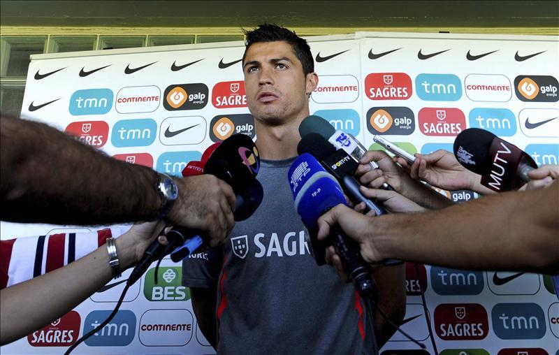 """Ronaldo dice que los gritos a favor de Messi en la afición rival son cosa de """"anormales"""""""