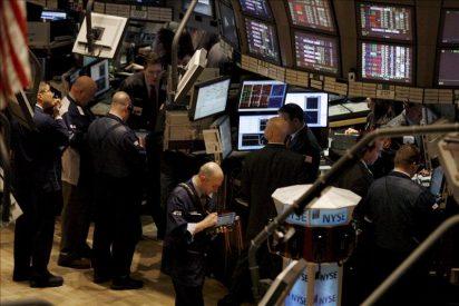 Wall Street amplía las ganancias y sube el 2,45 por ciento hacia la media sesión