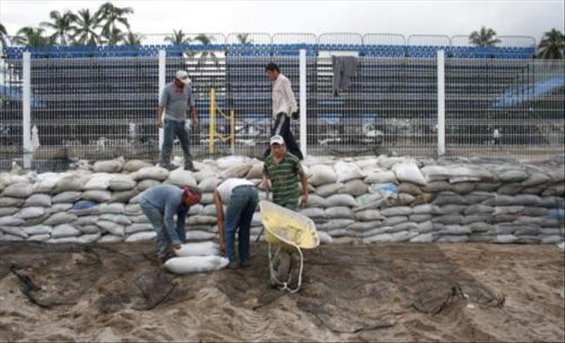 """El huracán """"Jova"""" gana fuerza y alcanza la categoría 3 frente a costas mexicanas"""