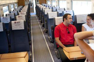 El uso del avión bajó el 0,3 por ciento en agosto y el del tren Ave subió el 0,2 por ciento