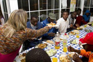 Cáritas advierte de que la pobreza aumenta y la ayuda pública disminuye
