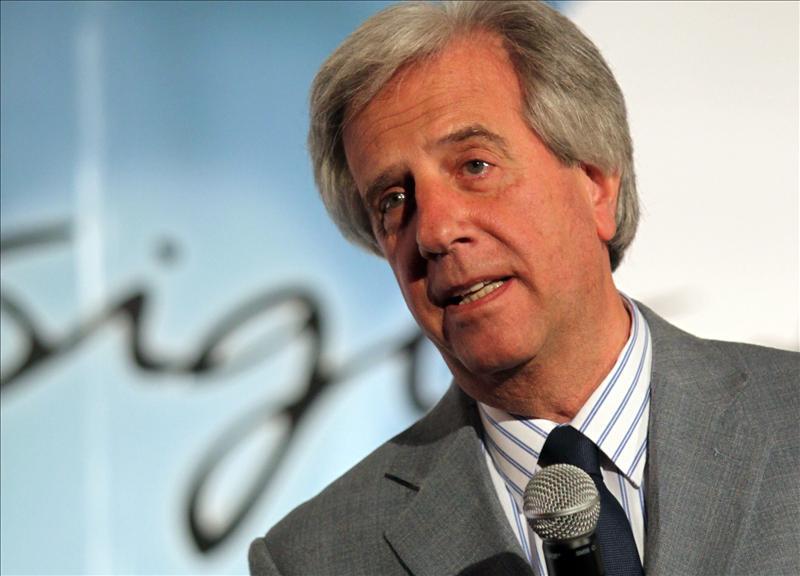 El expresidente Vázquez deja la política uruguaya y pide disculpas por la polémica