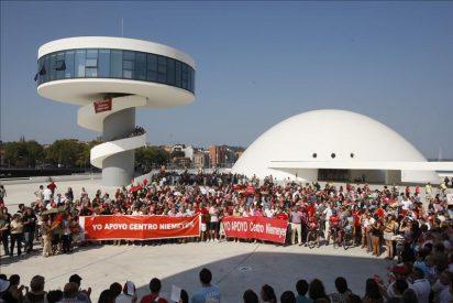 Niemeyer escribe una carta de apoyo al centro en España amenazado de cierre