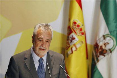 Griñán cree que Rubalcaba se ha mojado y eso servirá para remontar encuestas
