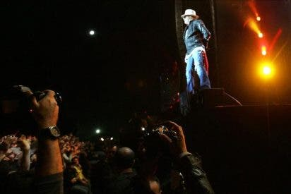 Guns N' Roses deslumbran a 50.000 seguidores en su primer recital en Paraguay