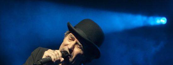 Joaquín Sabina debuta en Nueva York con un concierto íntimo entre amigos