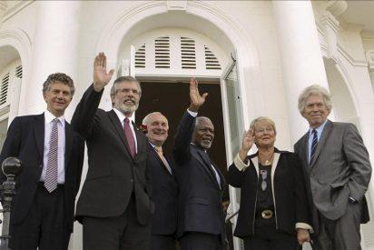 La conferencia reclama el cese definitivo de ETA y que se negocie su final