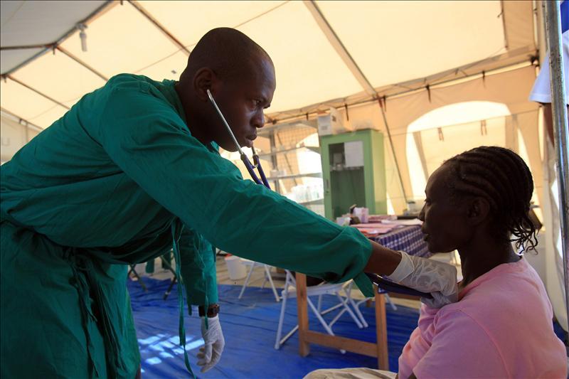 Médicos Sin Fronteras reconoce que el cólera sigue sin control en Haití un año después