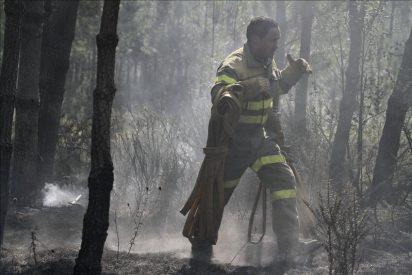 Controlado uno de los grandes fuegos de Ourense, aunque se mantiene el mayor