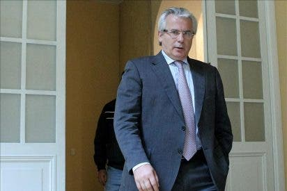 ETA no debería poner condiciones, sino disolverse y entregar armas, dice Baltasar Garzón