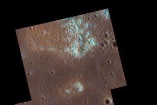 La sonda Messenger halla extraños huecos en la superficie de Mercurio