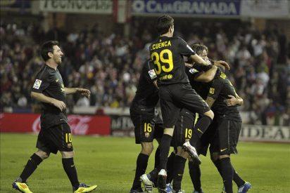 Xavi da al Barcelona un pírrico triunfo en Granada