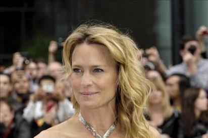 "Robin Wright lamenta la falta de papeles para actrices ""sin bótox"""